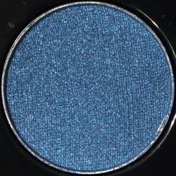 BlueEnvyVeluxePearlEyeshadowMAC1