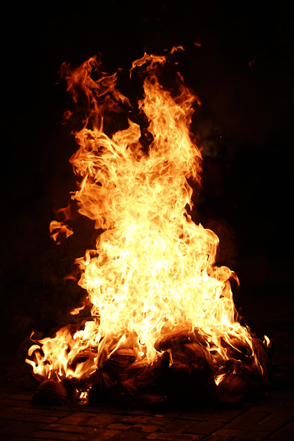 El fuego de la danza kechak