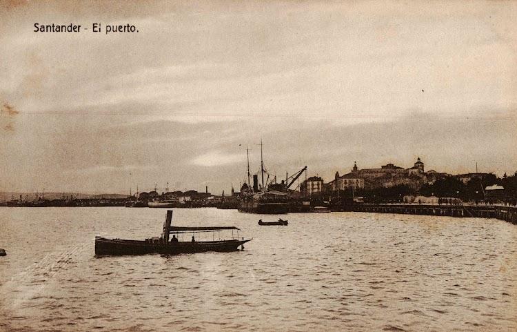 Lancha a vapor SANTAMARIA en la bahia de Santander. Fecha indeterminada. Foto Arxiu Municipal del Masnou.JPG