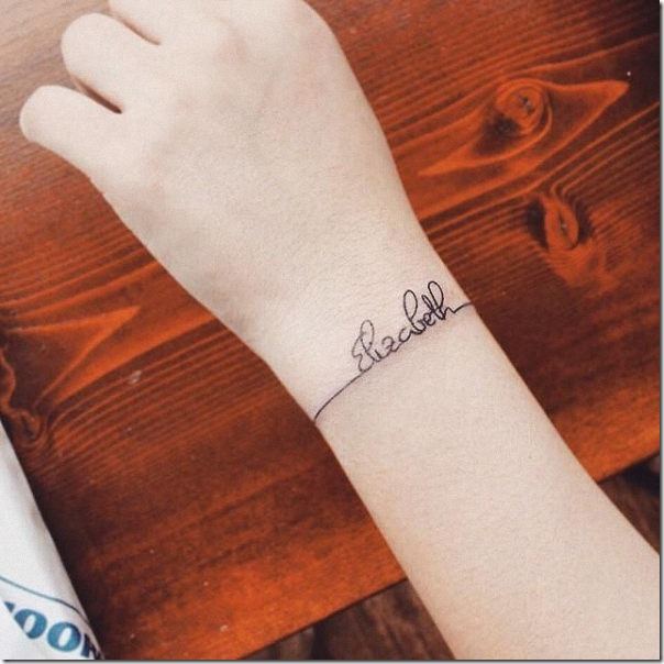 tatuaje_de_rbol_el_planeta_y_la_luna_monocromatica