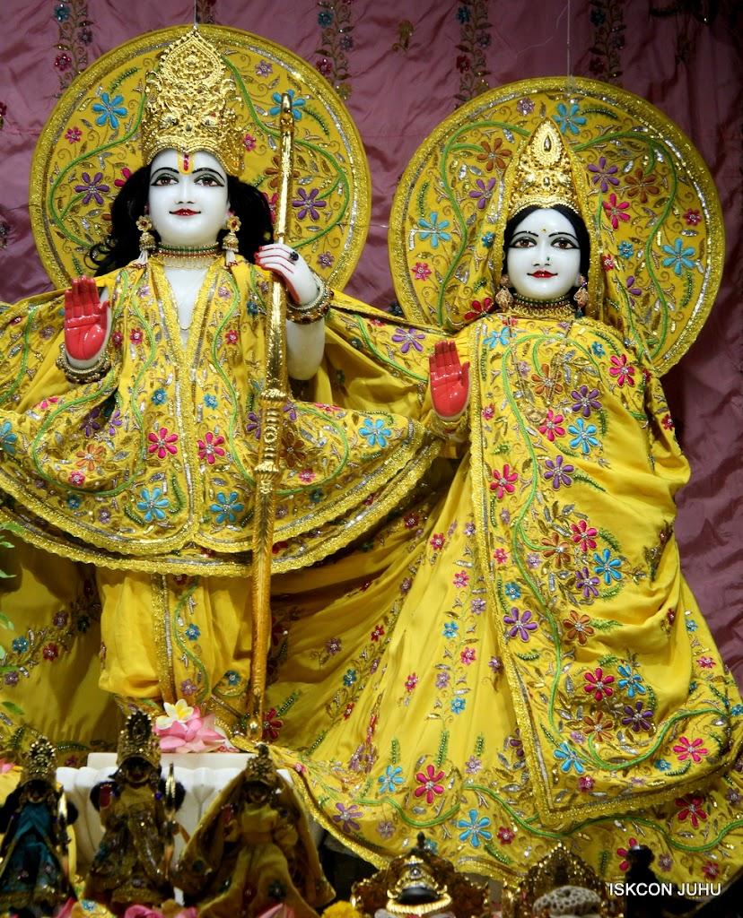 ISKCON Juhu Mangal Deity Darshan on 27 April 2016 (10)