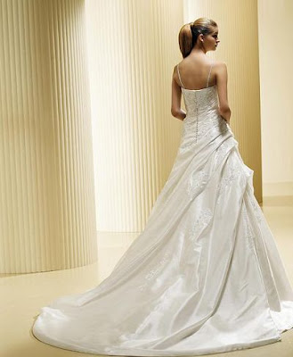 a-line-fit--spaghetti-wedding-dresses