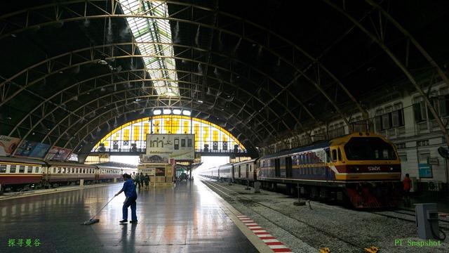 弓顶的火车站