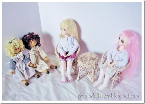 Some wicker doll furniture found at a thrift store.  Perfect size for yosd ball jointed dolls.