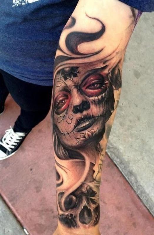 açcar_crnio_braço_de_tatuagem