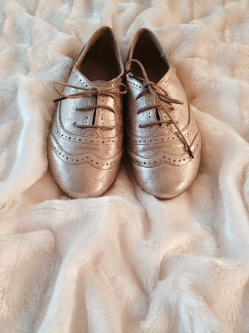Gold brogues matalan