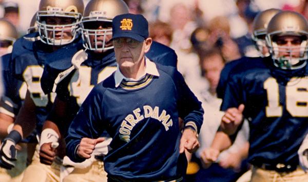 Notre Dame coach Lou Holtz endorses Trump