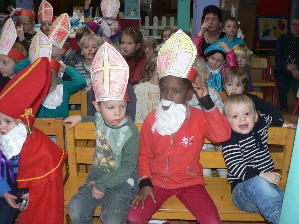 Sinterklaas op bezoek - P1270308.JPG