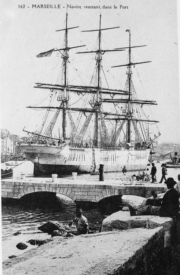 La PALAMOS en el puerto de Marsella. Foto web Navi e Armatori.jpg