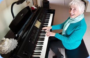Audrey Hendon playing the Yamaha Clavinova CVP-709.