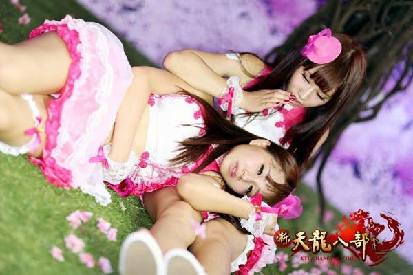 Ngắm showgirl tại gian hàng Tân Thiên Long Bát Bộ 8