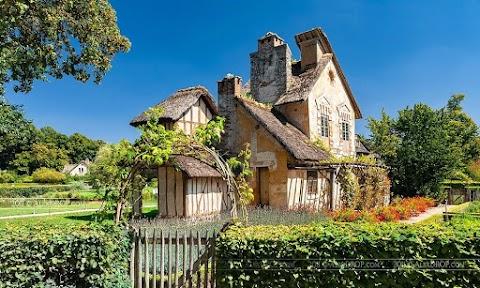 Hameau de la Reine: Desa Tolol Marie Antoinette