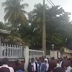 Photos/Video: Hundreds of unemployed youths fall for a fake recruitment advert in Lagos