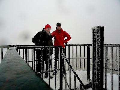 Dado i ja ...jedini gojzeki danas na vrhu,...po tragovima u snijegu i jedini planinari u posljednih nekoliko dana