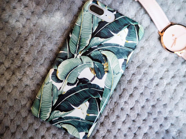 lifestyle-blog-monthly-favourites-caseapp-palm-print-phone-case-iphone-8-plus-fashion-blog