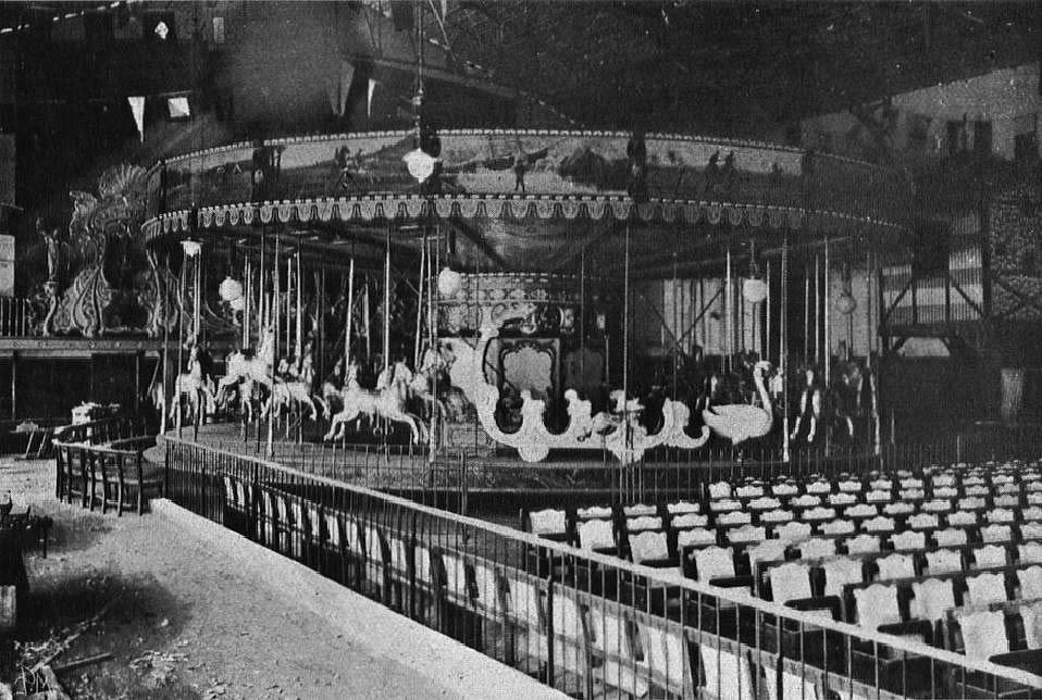 [1909-Music-Hall.1.26]