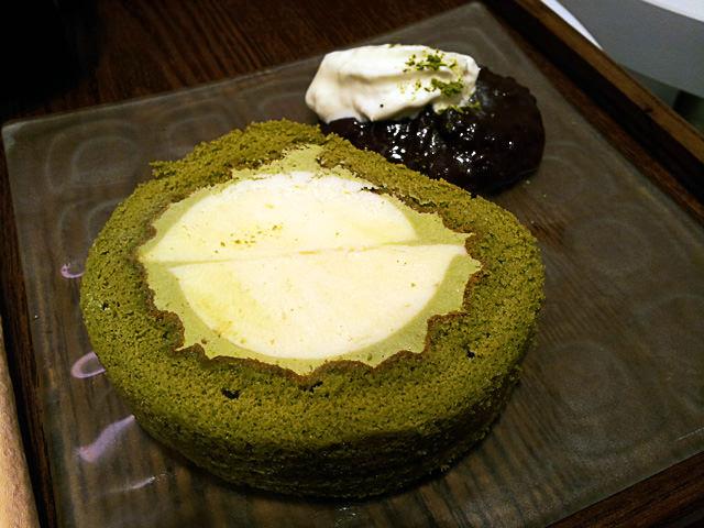 O-maccha roll cake