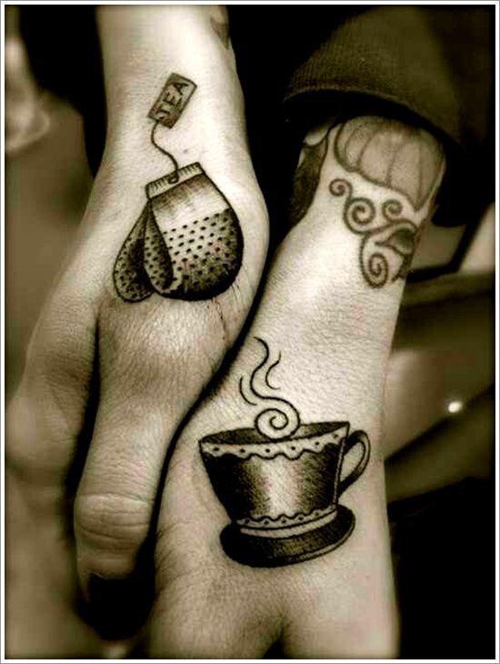 hora_do_ch_casal_de_mo_tatuagens