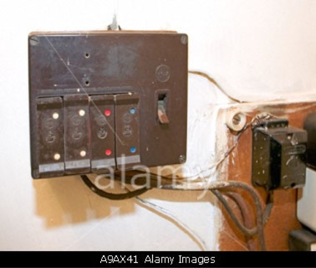 Burnt Fuse Box In Car : Fuse box burnt smell contactor wiring diagram
