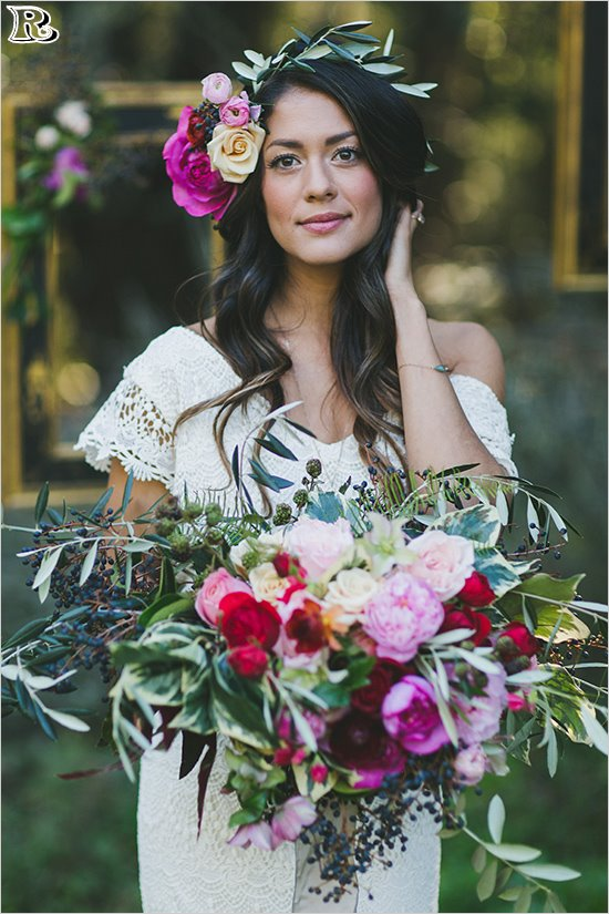 Chic Boho Hairstyles & Wedding Bouquets
