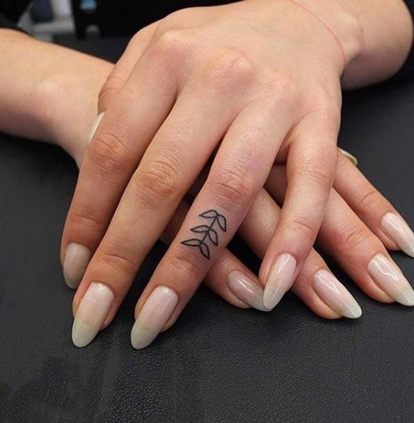 Este dedo tat
