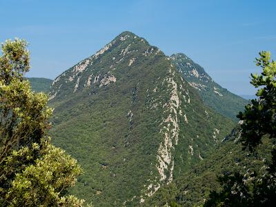 Cresta del Gall i Serra de Bestracà