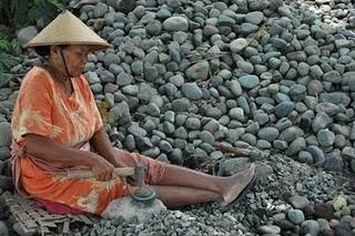 pemecah batu