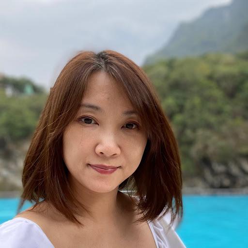 Gloria Hung Photo 16