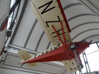 2017.06.24-002 avion Potez 36 dans la gare