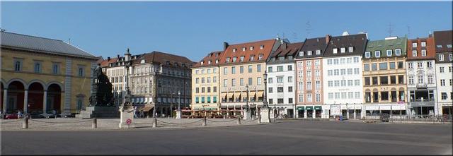 Plaza del Residenzmuseum - Munich