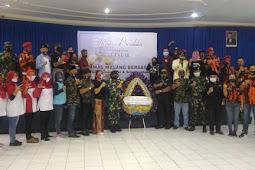 Bersama Ormas Malang Bersatu Berikan Karangan Bunga Serta Gelar Doa Bersama KRI Nanggala 402