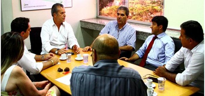 Prefeito Carlão Camargo pede reforço na segurança municipal