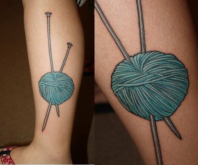 Esta bola azul de fios