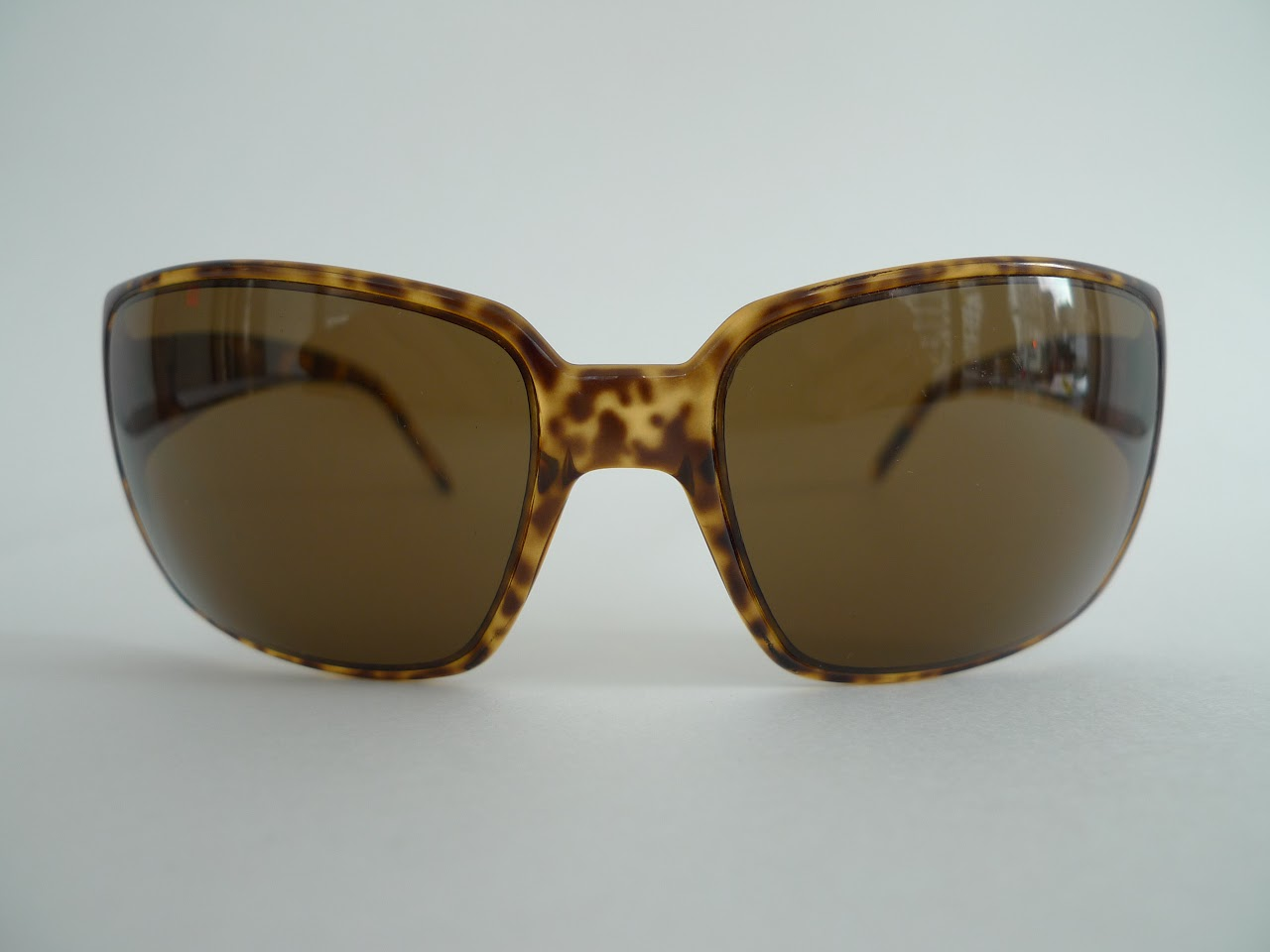 Gucci Tortoise Shell Square Frame Sunglasses