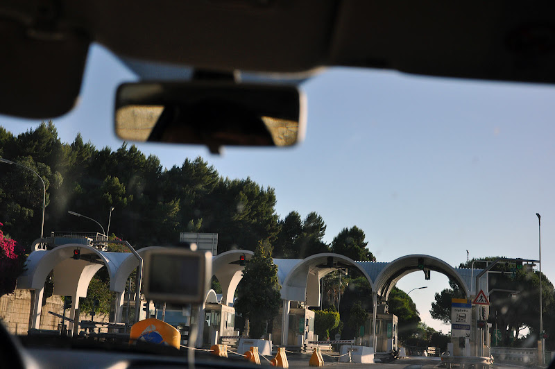 Пункт оплаты на автостраде на Сицилии