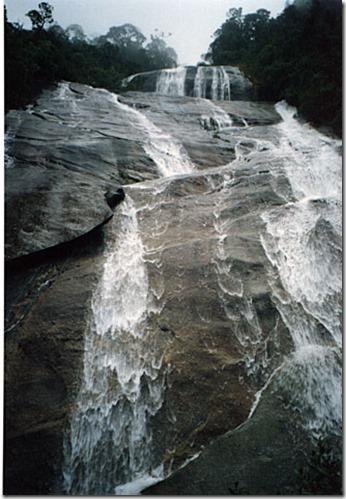 Cachoeira-do-Alcantilado-2
