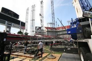 Job Profile Kenny Chesney Amp Zac Brown Band Stage Setup