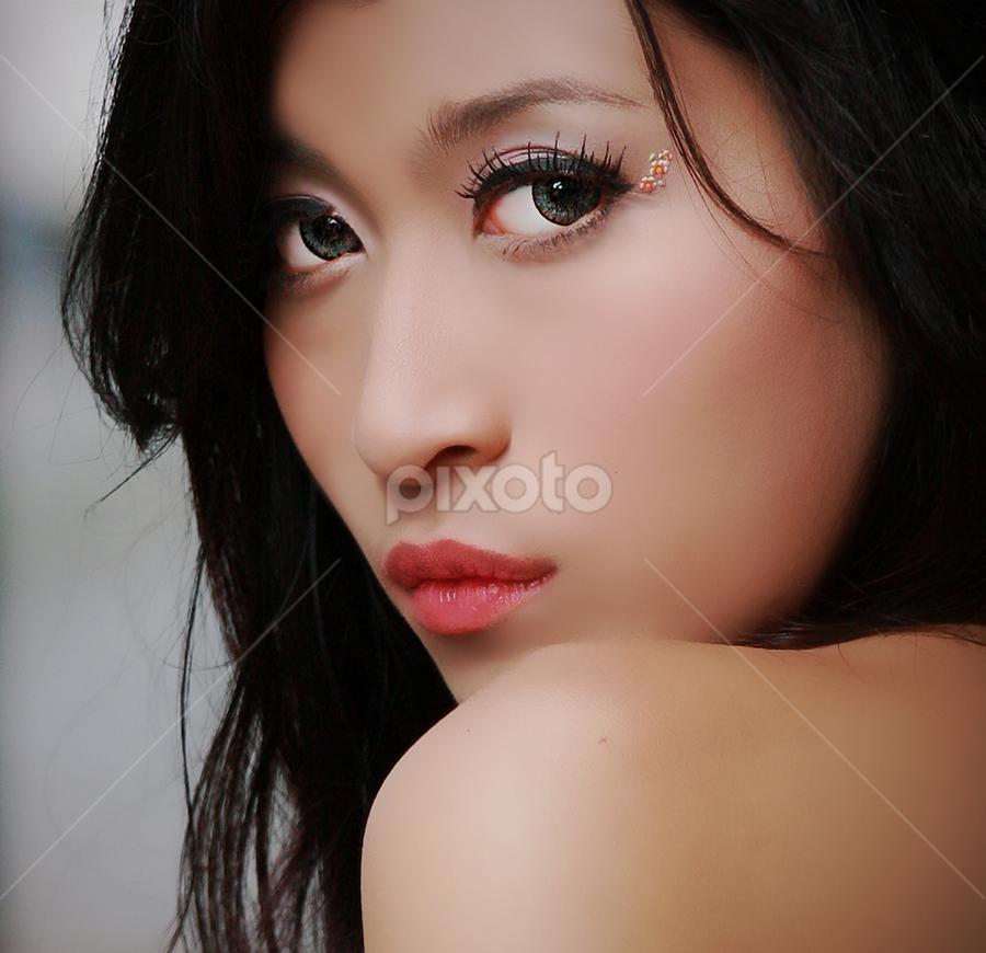 - by Dhani Photomorphose - People Portraits of Women