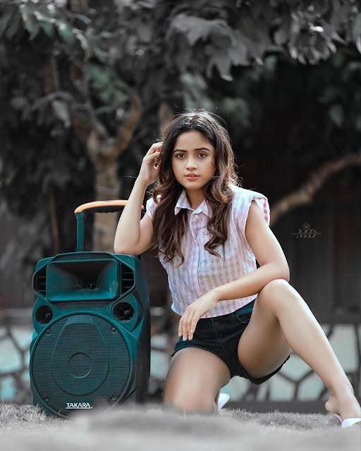 Nisha guragain hot pose