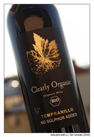 Bodegas-Latúe-Clearly-Organic-Tempranillo-NSA-2015