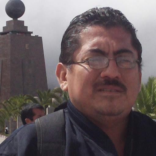 Julio Quiroz Photo 26
