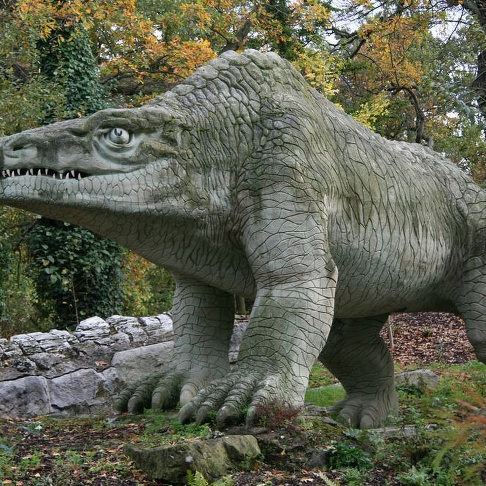 The Strange Victorian Dinosaurs of Crystal Palace Park