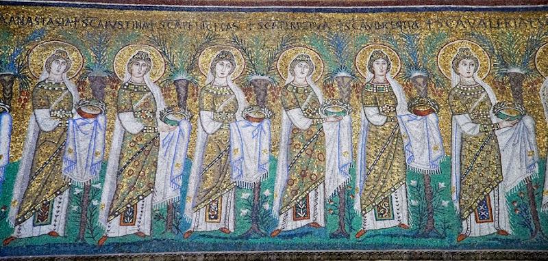 54. 22 Virgin Martyrs (Detail). Mosaic. VI century. The Basilica of Sant' Appolinare Nuovo. Ravenna. 2013
