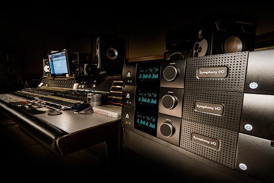 3 SIO Mk II Pro Studio Desk 560