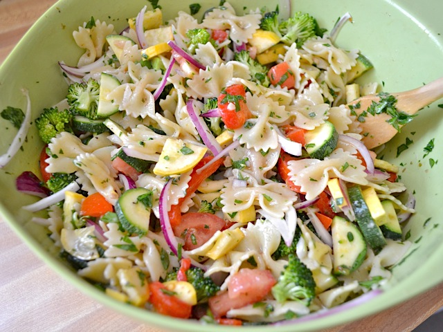 vegetable pasta salad mixed and ready to serve