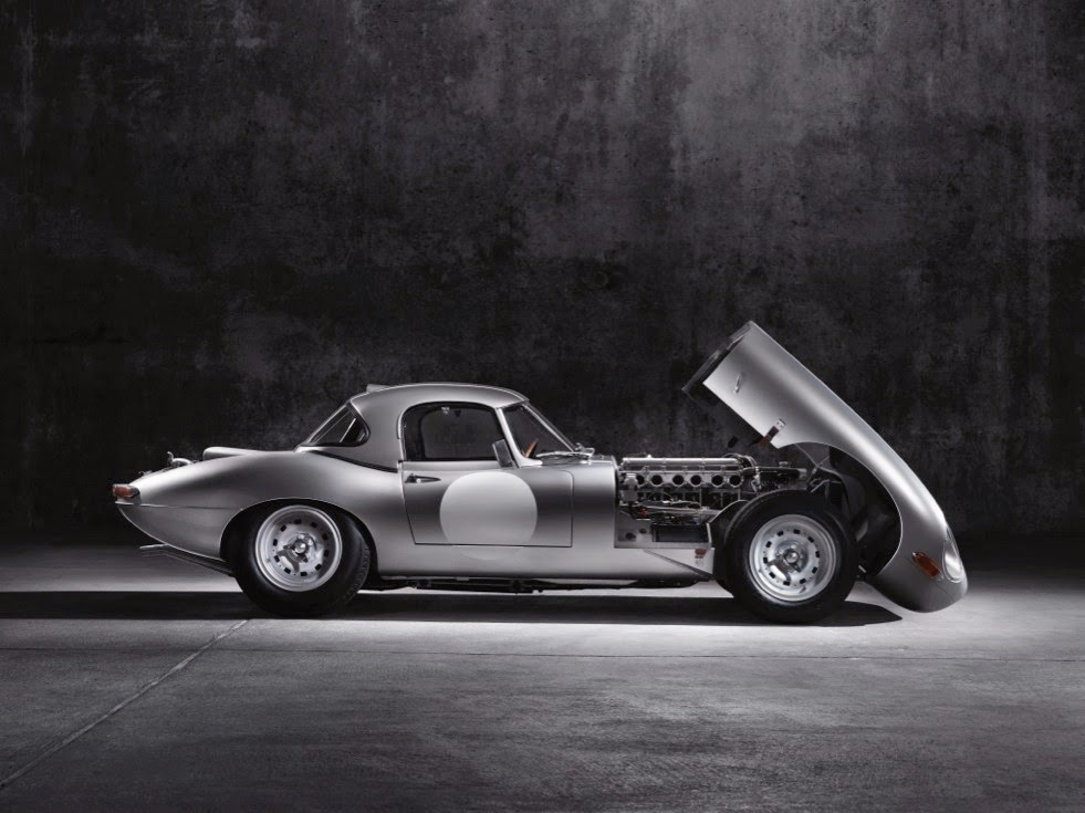 Jaguar Lightweight E-Types Hero_03