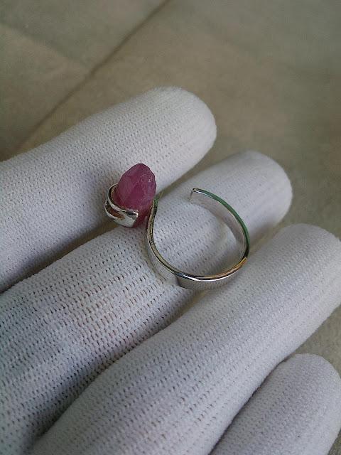 Nhẫn Tinh thể Ruby Lục Yên bạc 925