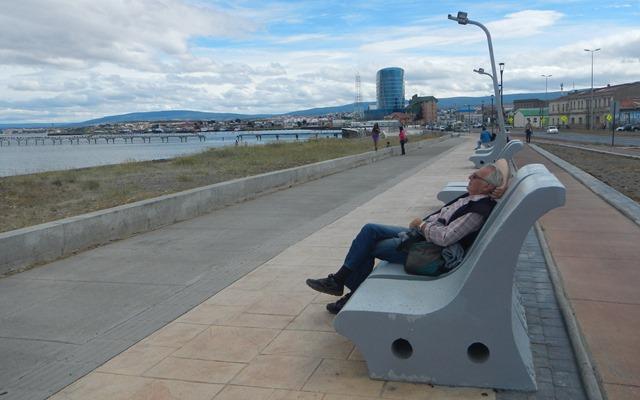 Siesta am Hafen in Punta Arenas