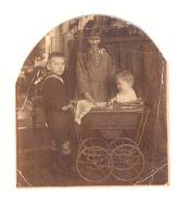 Witkop, Anna Margaretha, Eltjo en Jan 1923.jpg