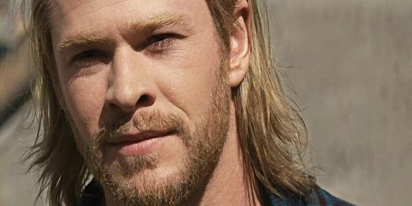 Screen Shot Of Hollywood Movie Thor (2011) In Hindi English Full Movie Free Download And Watch Online at Alldownloads4u.Com